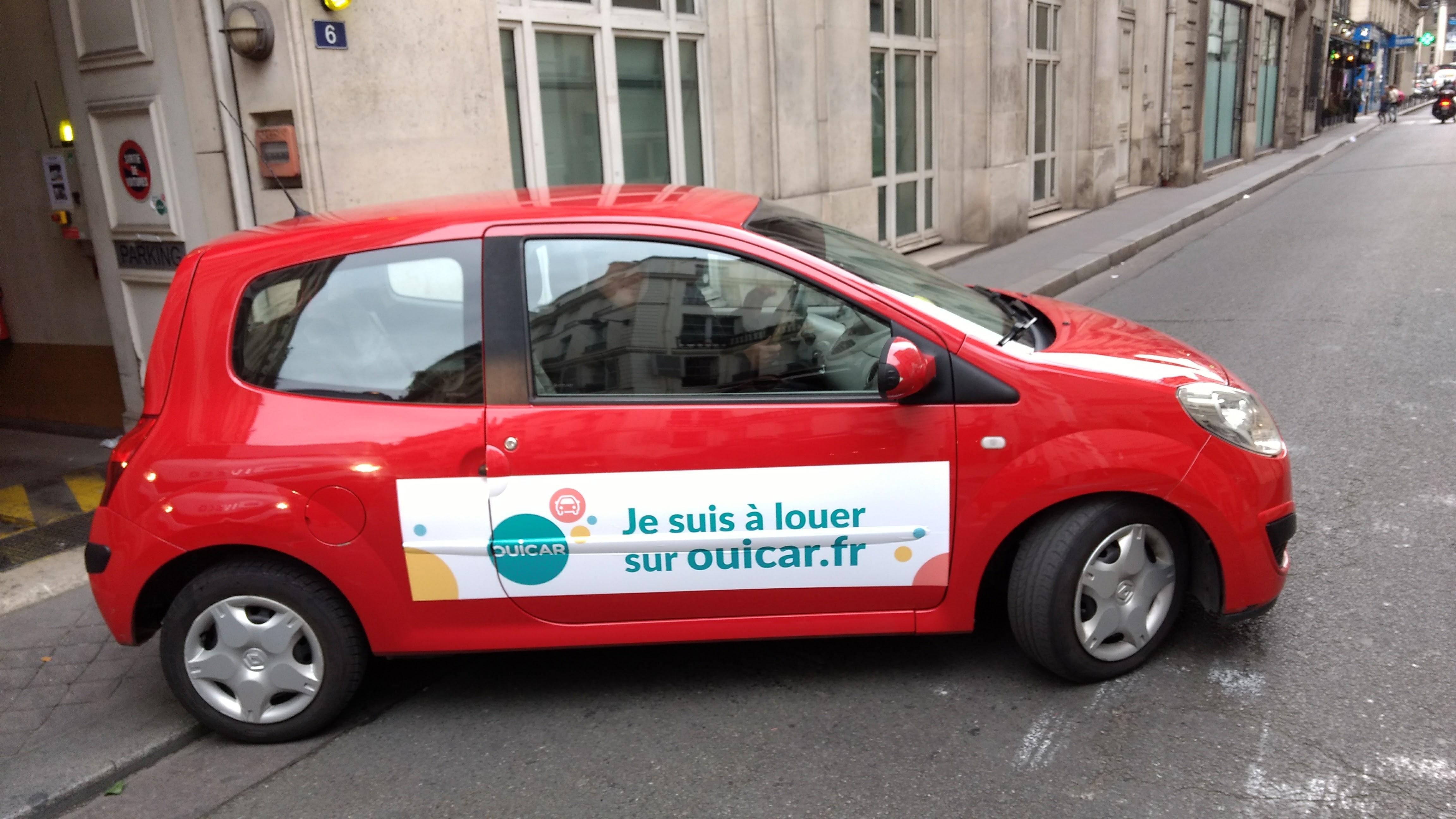 Les voitures de nos propriétaires floquées aux couleurs de OuiCar !
